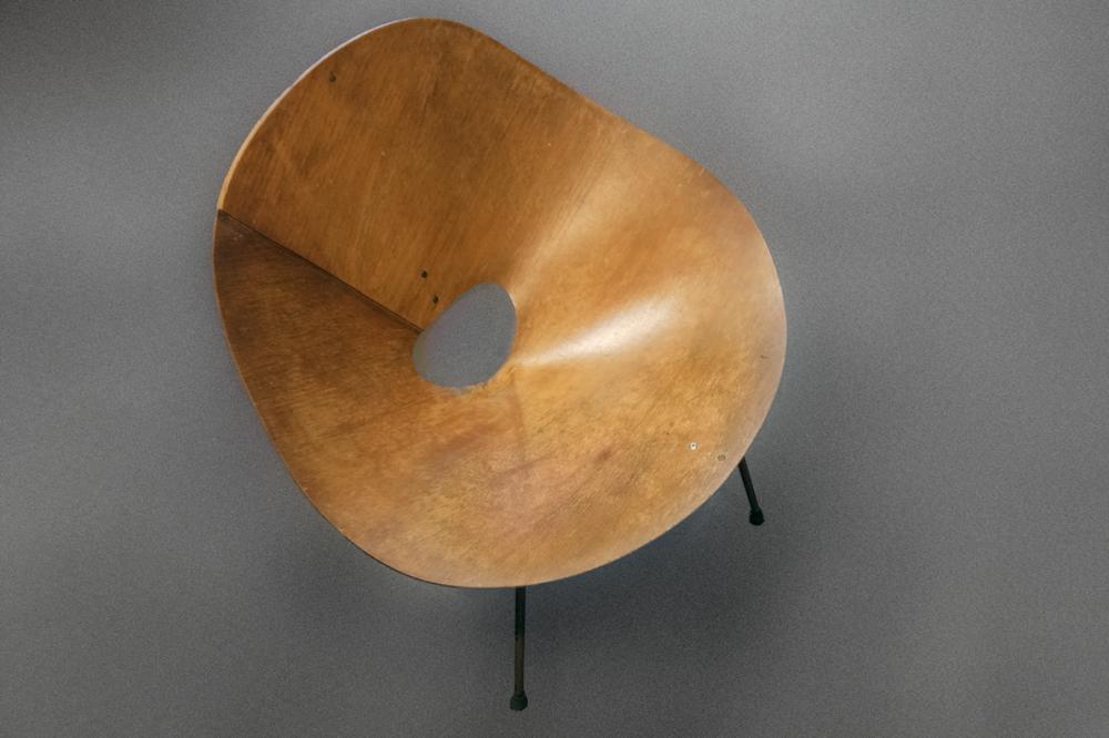 Kone chair by Roger McLay. Photo by John Gollings.