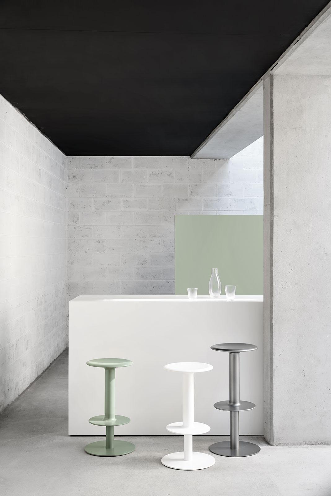 cult-rev-stool