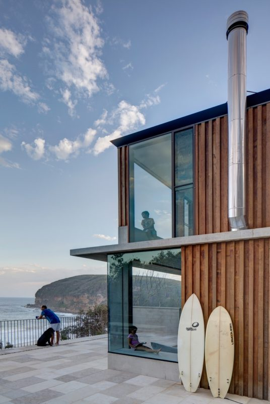 Macmasters Beach House by Polly Harbison. Photo by Brett Boardman.