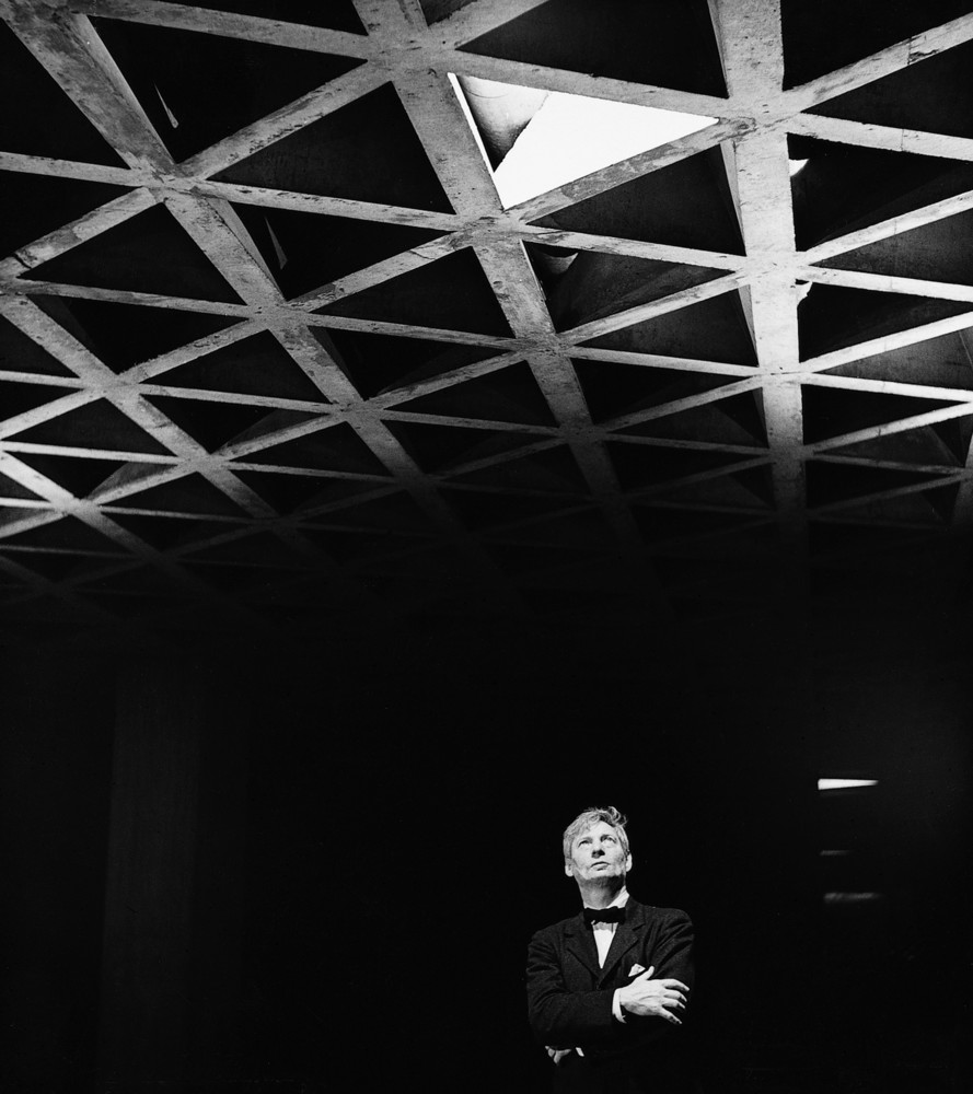 Louis Kahn looking at the ceiling of the Yale University Art Gallery. Image by Lionel Freedman.