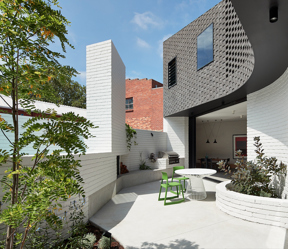 Perimeter House by MAKE Architecture – winner of the Kevin Borland Masonry Award. Photo by Peter Bennetts.