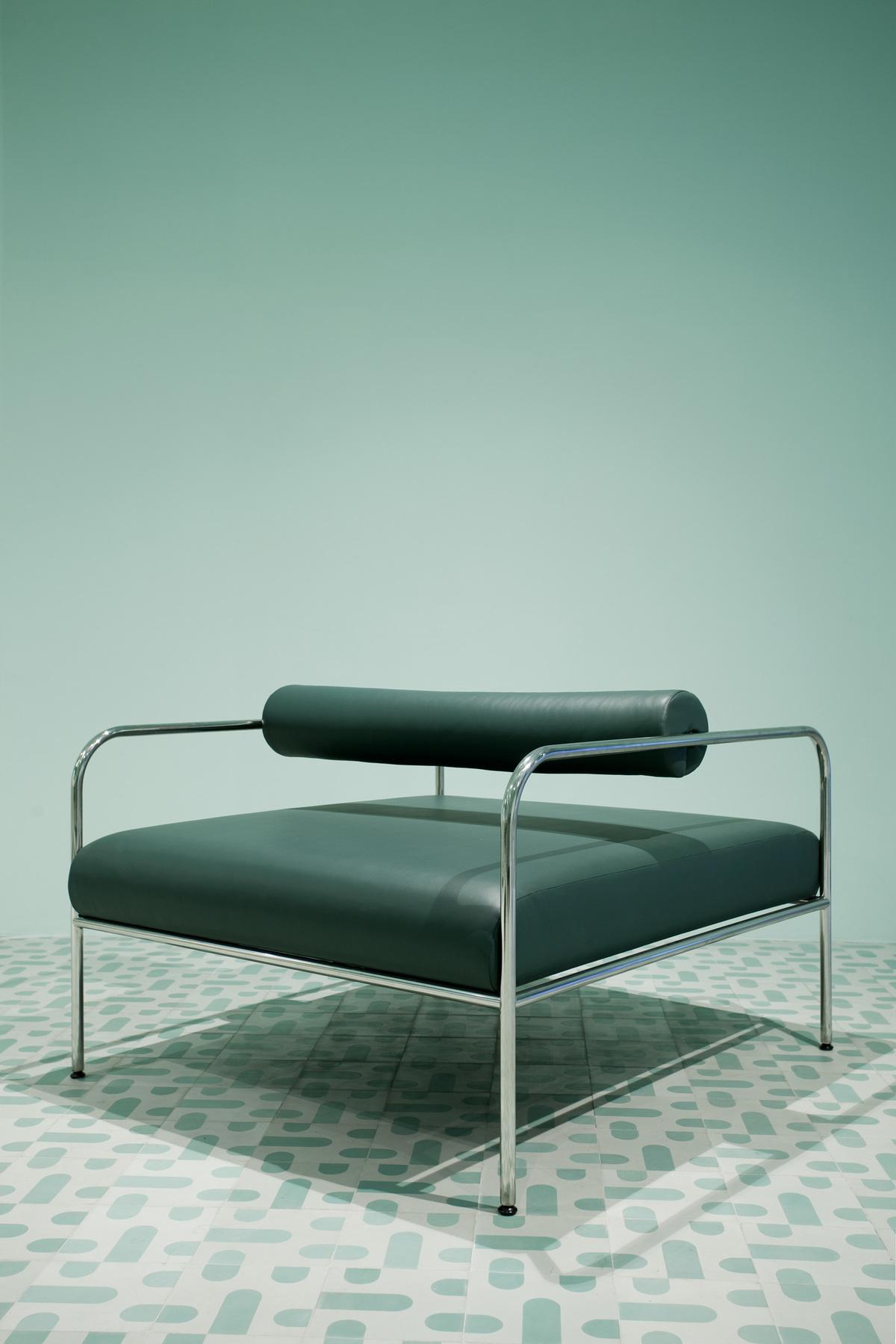 Chair in tribute to tribute to Shiro Kuramata