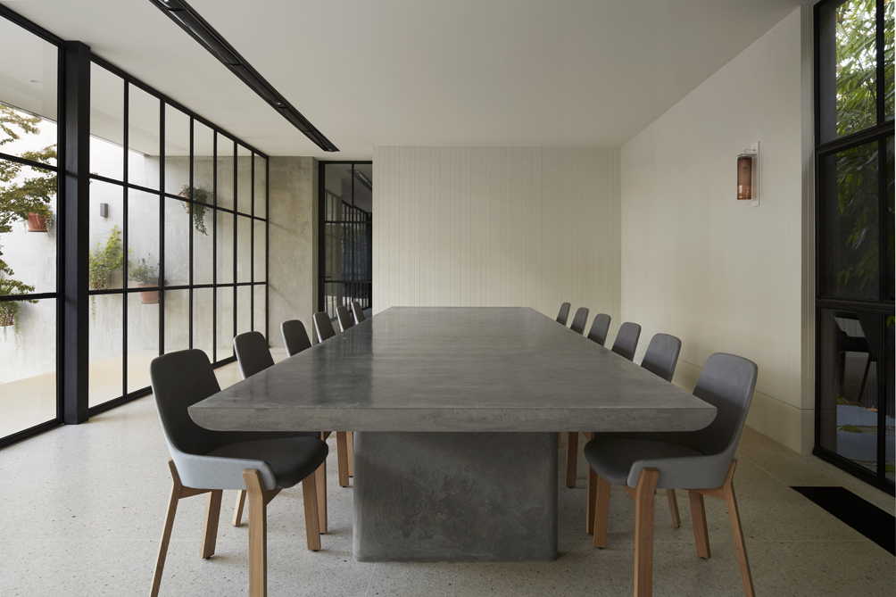 concrete table at Hopetoun Road