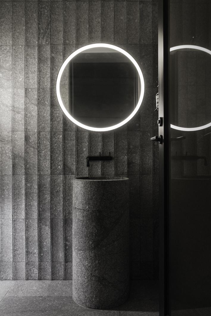 Custom light mirror