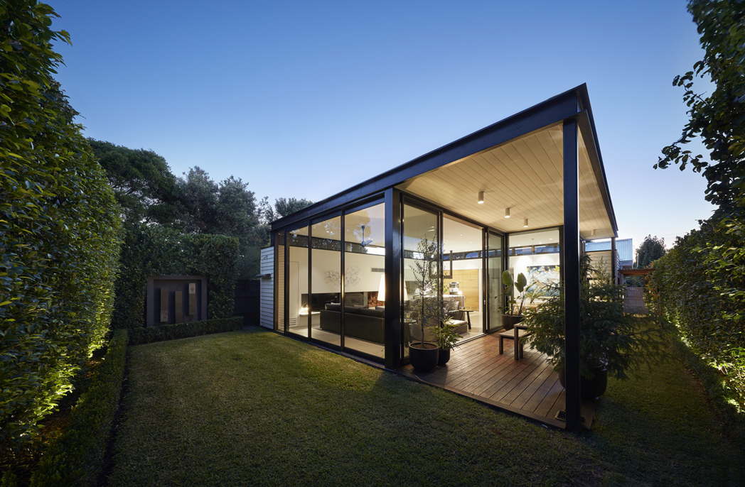 Light box house by Finnis Architects