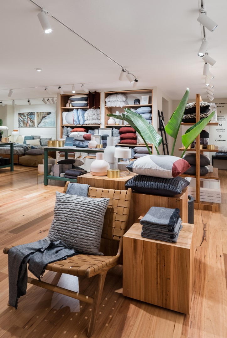 Country Road's flagship by Akin Creative
