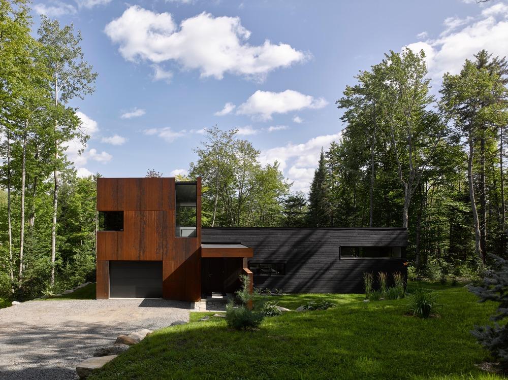 Lac Charlebois house
