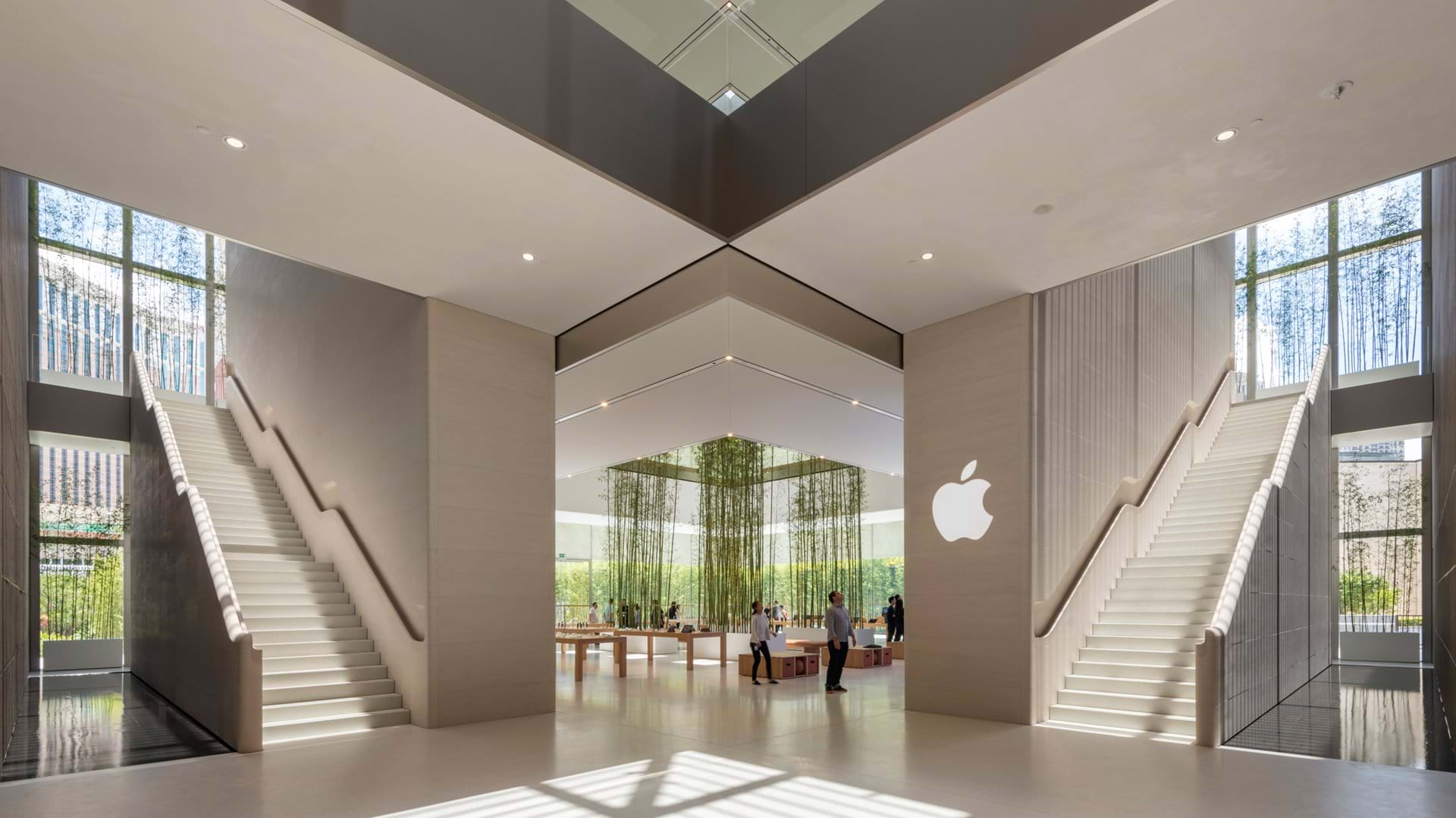 The large entrance to the Apple store in Macau