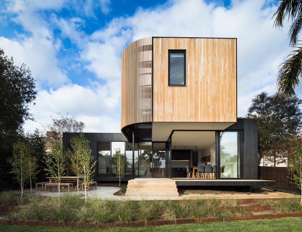 The modular extension on the Ivanhoe house