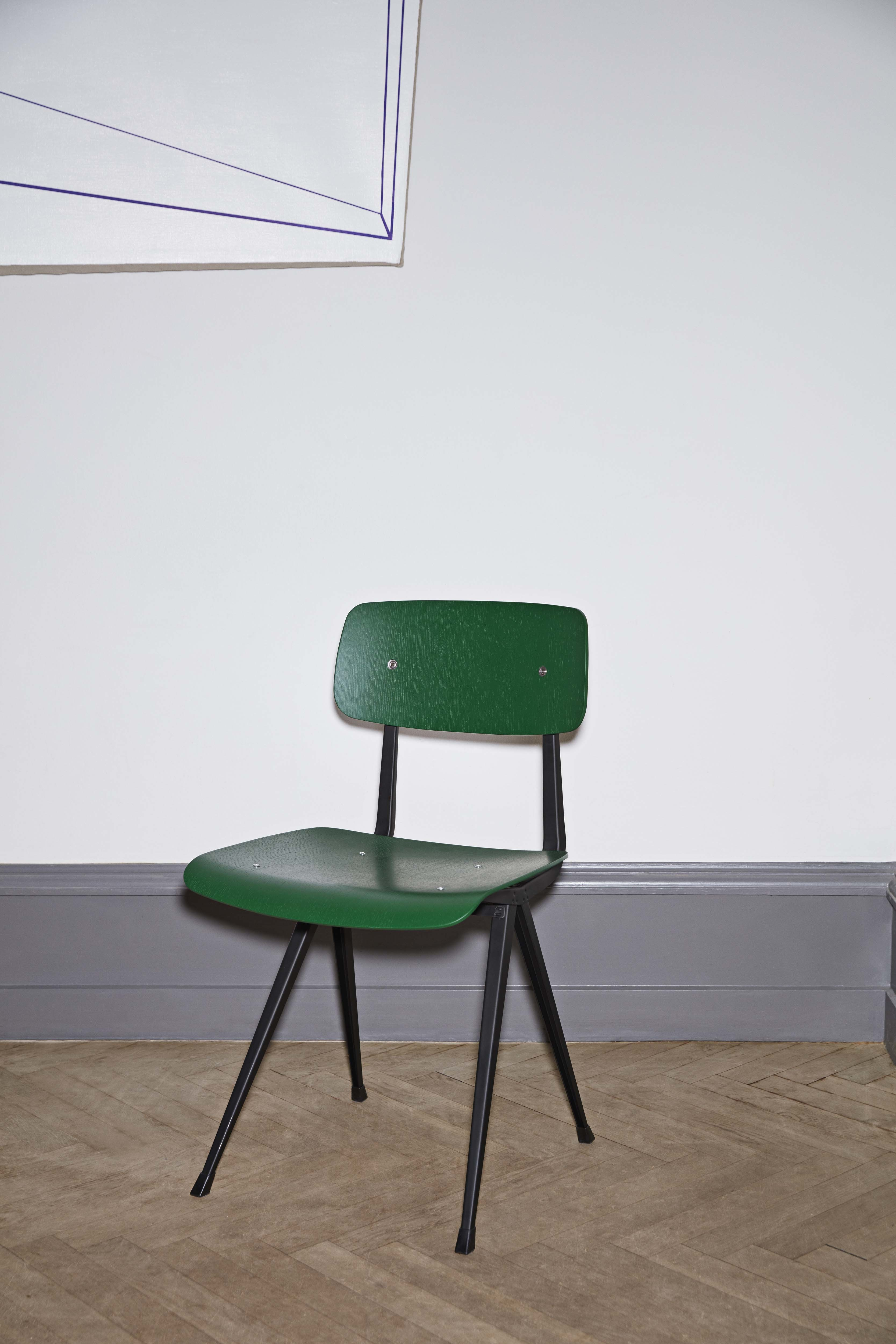 Result Chair with Black Base in Forest Green