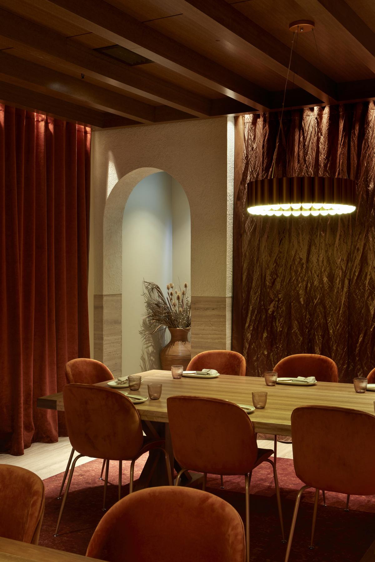Bablyon bar and restaurant