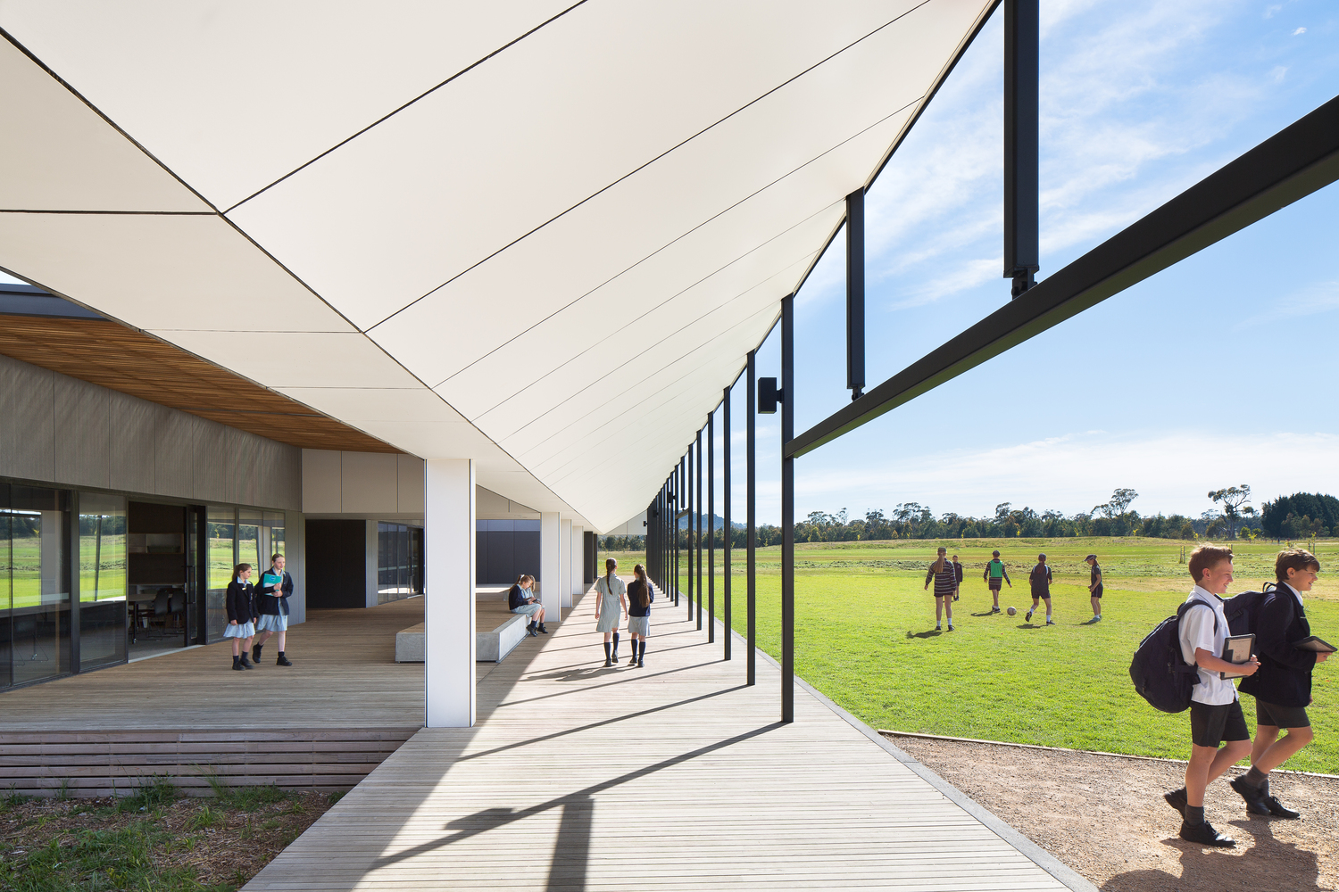 Braemar College Middle School by Hayball