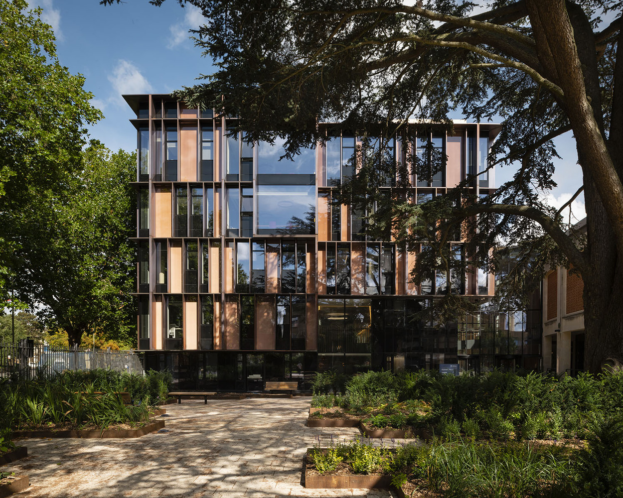 The Beecroft Building by HawkinsBrown