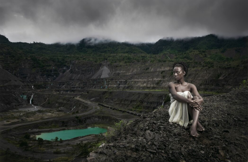 Taloi Havini & Stuart Miller Sami and the Panguna mine 2009–10 80.1 × 119.9 cm type C photograph National Gallery of Victoria, Melbourne Purchased, Victorian Foundation for Living Australian Artists, 2014 © Taloi Havini and Stuart Miller