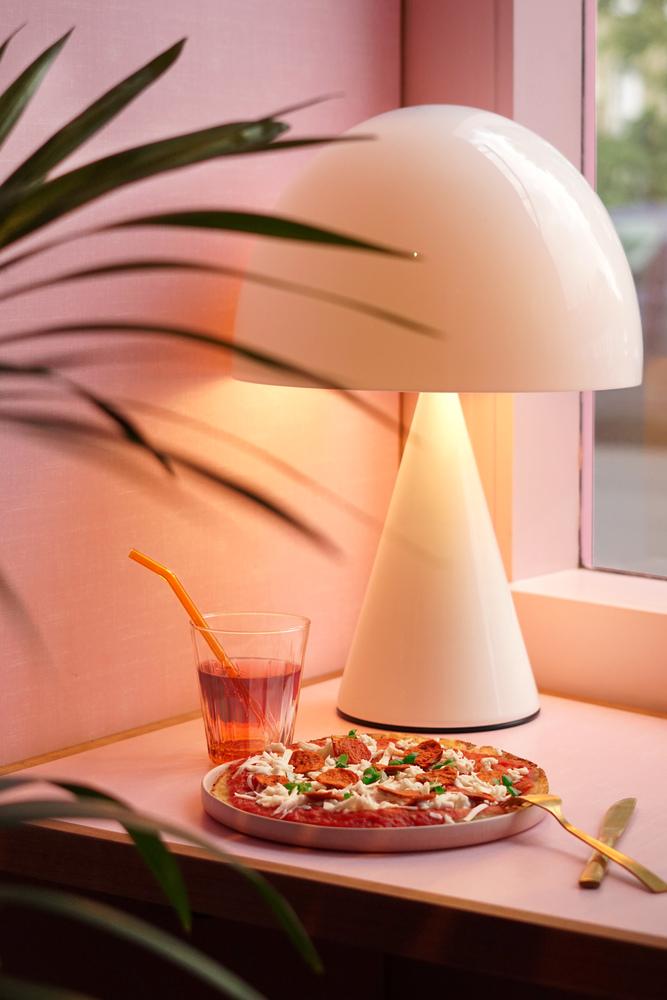 Humble Pizza Restaurant / Child Studio