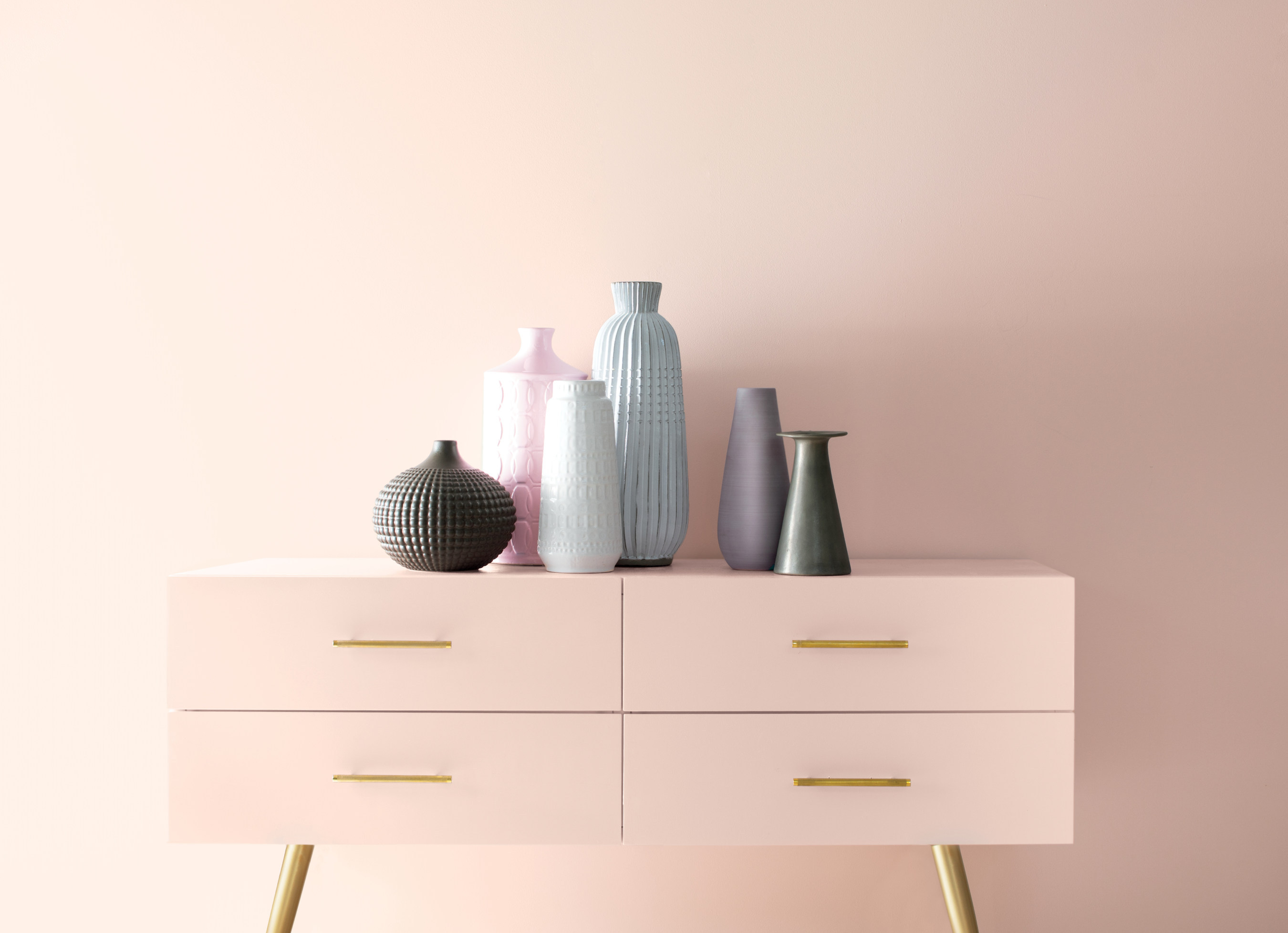 "Benjamin Moore welcomes a new decade with ""First Light 2102-70,"" its Colour of the Year 2020 (CNW Group/Benjamin Moore)"
